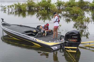 bass boat with power poles standard