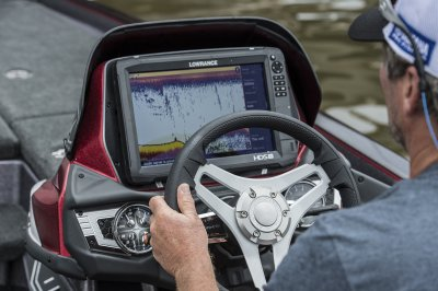 lowrance hds 12 carbon unit flush mounted in fx20 console