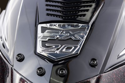 detailed fx 20 badge inlay-ed on console  sindshield