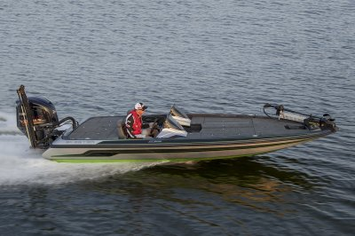 21 foot bass boat rides best in rough water