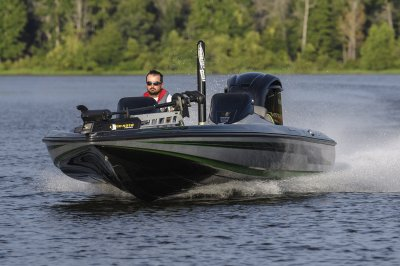 fastest bass boat speeds across water