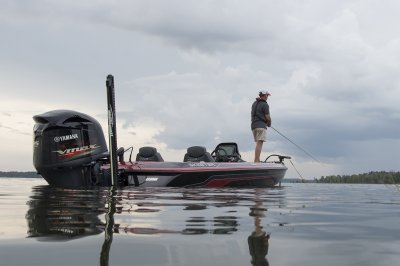 zx225 is a safe and stable boat when fishing