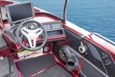 large cockpit area in this deepv fishing boat
