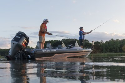 chasing small mouth in this multi species Fiberglass boat