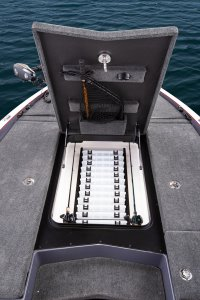 open center deck tackle compartment on skeeter bass boat