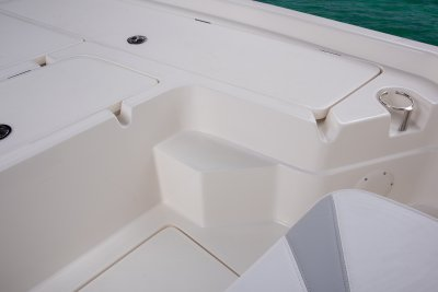 front step up to deck on sx240 bay boat