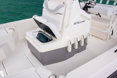 front center console baitwell on sx240 bay boat