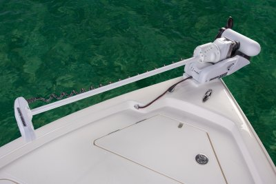 bow photo of sx240 bay boat