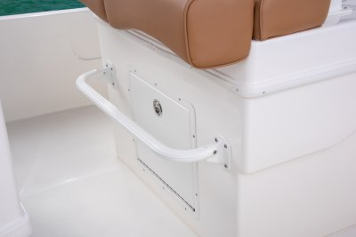 footrest on lean post boat well on sx230 bay boat