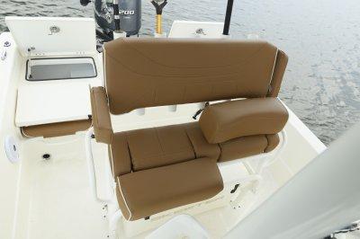 lean post on sx2250 bay boat